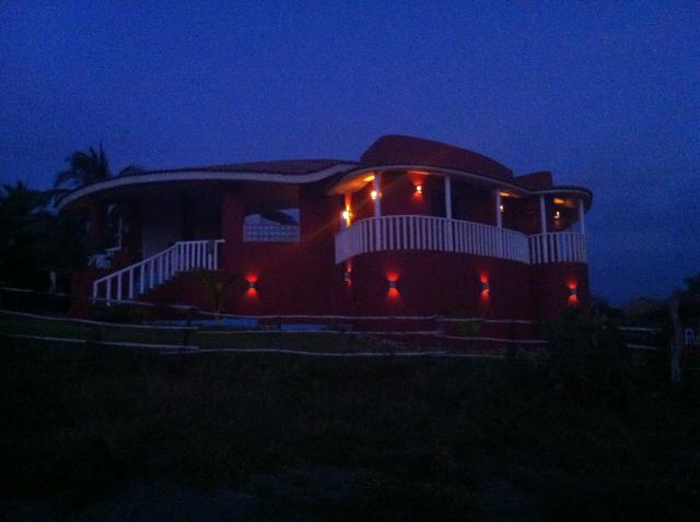 La Notchie, Rusty's Surf Villa Lit Up