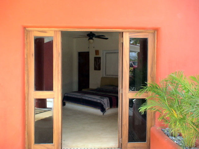 Honeymoon Suite - With Shower - Front Entrance